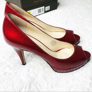 Enzo Angiolini patent leather red pump heel box